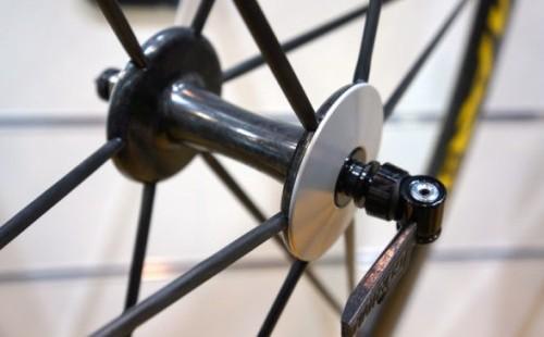 Roţi de cursieră de carbon de la Corima 4